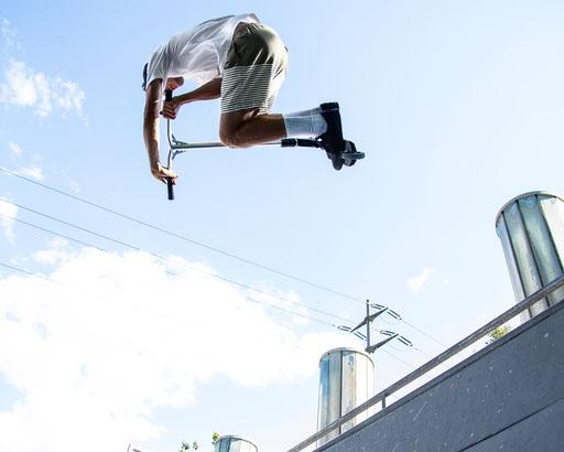 Der Crossneck Stuntscooter
